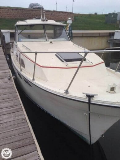 Bayliner 2670 Explorer, 26', for sale - $8,500