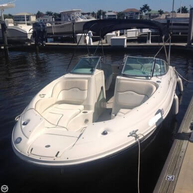 Sea Ray 220 Sundeck, 23', for sale - $19,900