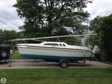 Hunter 240, 24', for sale - $10,500