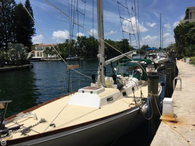 Block Island 40, 40', for sale - $45,000