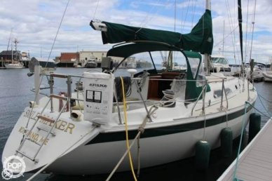 Ericson Yachts 38-200, 37', for sale - $42,000