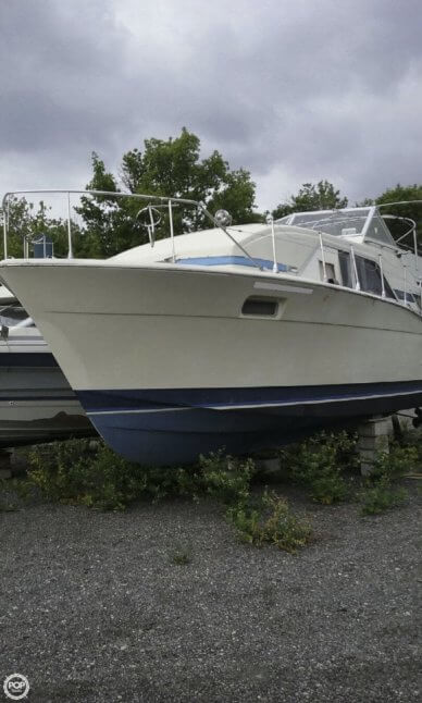 Chris-Craft Catalina, 35', for sale - $12,000