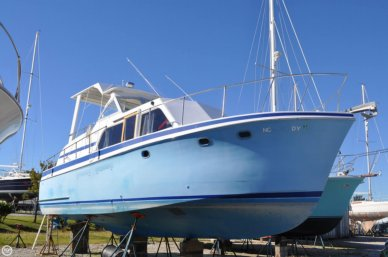 Hatteras Double Cabin 34, 34', for sale - $11,000