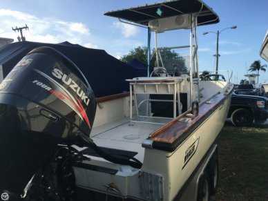 Boston Whaler 22 Outrage, 22', for sale - $26,000
