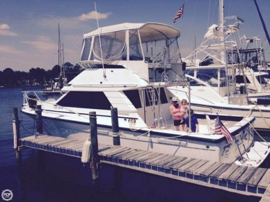 Phoenix 35 Sportfish, 33', for sale - $55,000