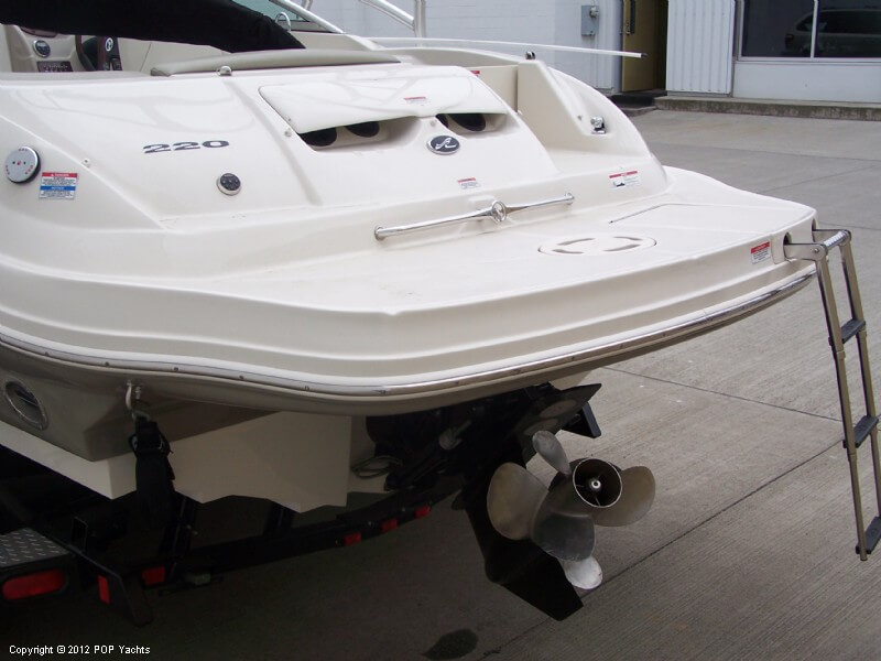 Sea Ray 220 Sundeck, 23', for sale - $39,000