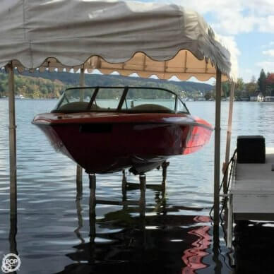 Malibu CORVETTE LIMITED EDITION SKI BOAT, 19', for sale - $27,000
