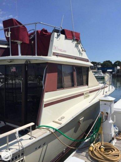 Trojan 32 Cabin Cruiser, 32', for sale - $17,500