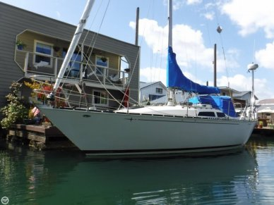 C & C Yachts 34, 34', for sale - $31,200
