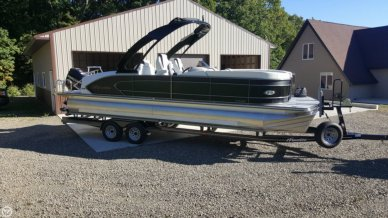 Manitou 25 X-plode SHP Tritoon, 26', for sale - $79,900