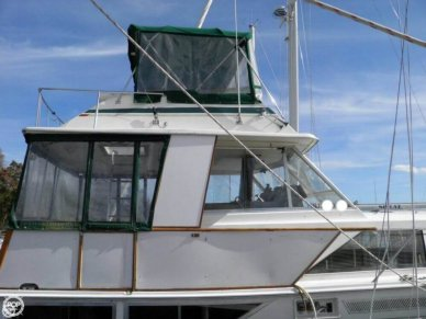 Pacemaker 40 Flybridge Motoryacht, 40', for sale - $28,000