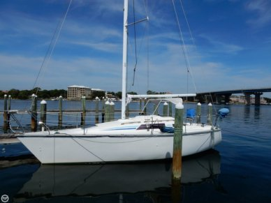 Hunter 28.5 Sloop, 29', for sale - $15,900