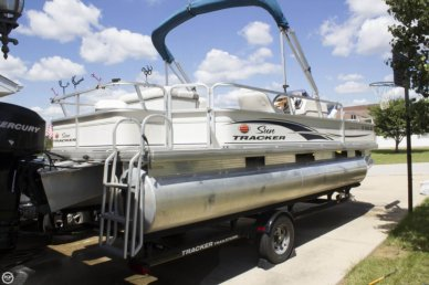 Tracker 21 Fishing Barge, 21', for sale - $13,950