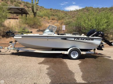 Bass Tracker 18, 18', for sale - $20,000