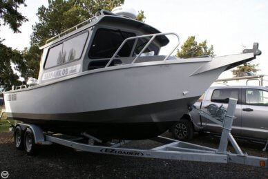 North River Seahawk OS 2300C, 25', for sale - $99,000