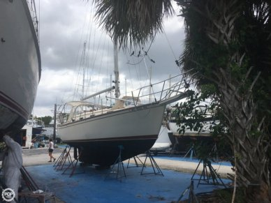 Island Packet 31, 34', for sale - $52,000