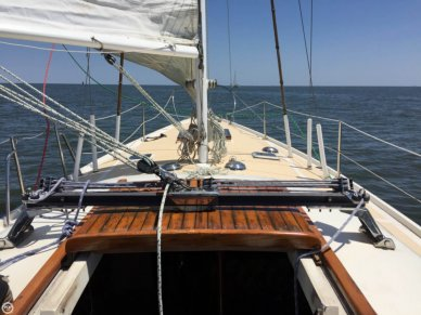 Columbia 34 MK II, 33', for sale - $21,000