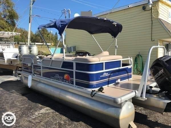 Pontoon Boat Ski Tow Bar >> Party Barge 20 Dlx