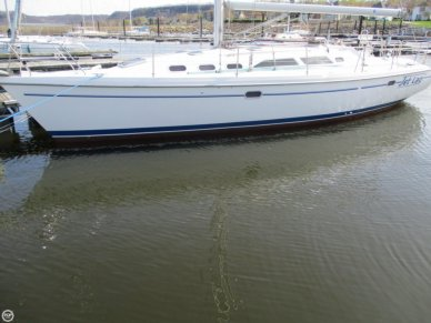 Catalina 380, 38', for sale - $109,995