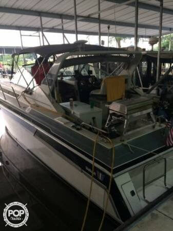 Wellcraft 32, 32', for sale - $25,000