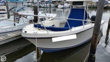 Mako 241, 24', for sale - $14,000