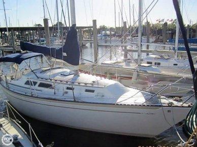 Islander 32 MK II, 31', for sale - $22,500