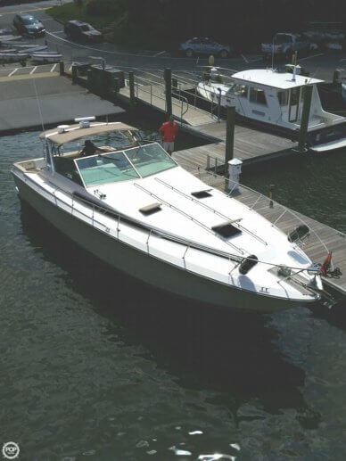 Sea Ray 390 Express, 43', for sale - $43,900