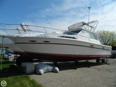 Sea Ray SRV 390, 42', for sale - $25,600