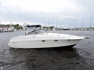 Larson Cabrio 300, 33', for sale - $24,999