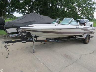 Triton 190-FS, 19', for sale - $16,000