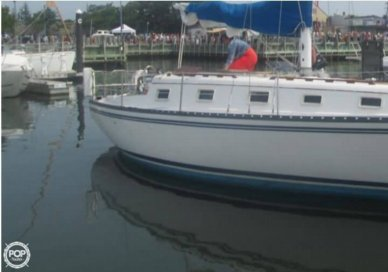 Hunter 33, 32', for sale - $18,000