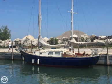 Mariner 31, 38', for sale - $30,000