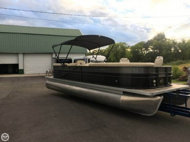 Crest II 250, 25', for sale - $32,000