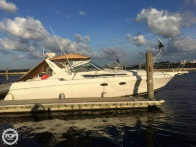 Wellcraft 32 St. Tropez, 32', for sale - $33,400