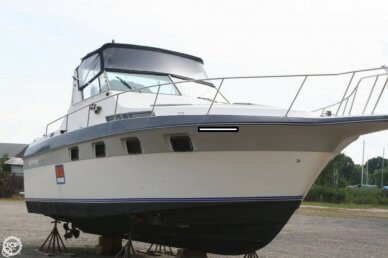 Cruisers 33, 33', for sale - $13,000
