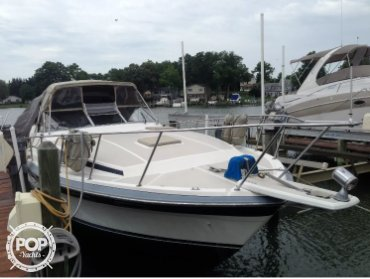 Bayliner 3250 Conquest, 32', for sale - $18,500