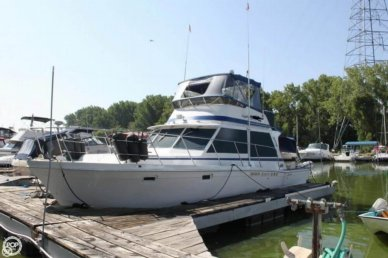 Uniflite 38 convertible, 38', for sale - $33,300