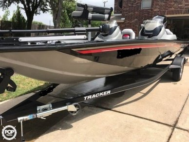 Tracker Pro Team 190 TX, 18', for sale - $20,500