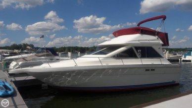 Sea Ray 305 Sedan Bridge, 31', for sale - $18,000