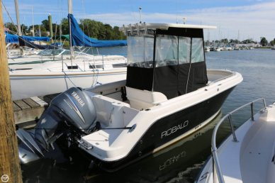 Robalo R220, 21', for sale - $32,000