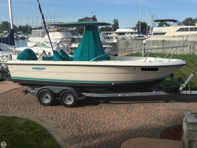 Pursuit 2150 CC, 22', for sale - $18,500