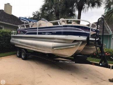 Sun Tracker Fishin' Barge 22 DLX, 22', for sale - $22,500