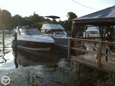 Rinker 270 Fiesta Vee, 30', for sale - $32,500