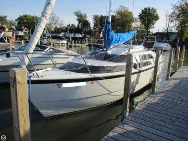 MacGregor 26M, 25', for sale