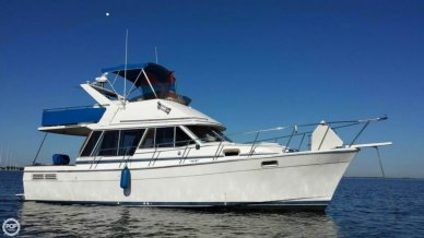 Bayliner 3270, 32', for sale - $32,300