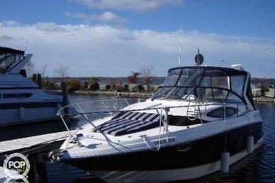 Regal 3060 Express, 34', for sale - $65,900