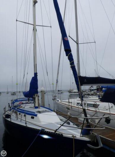 Islander 36, 36', for sale - $45,000