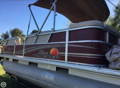 Sun Tracker Party Barge 20 DLX, 21', for sale - $17,000