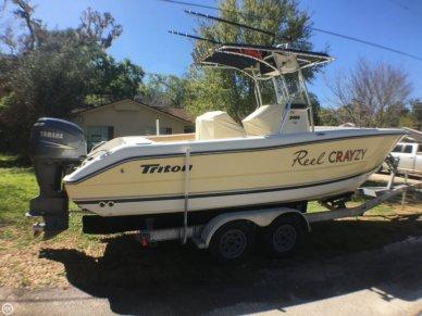 Triton 2486 CC, 25', for sale - $31,200