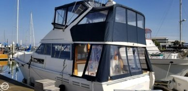Bayliner 3870 Pilothouse MY, 38', for sale - $43,500